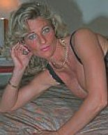 unrestricted 1-2-1 grannysex telephone play
